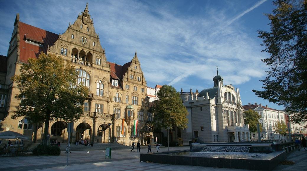 Bielefeld welches beinhaltet Stadt, Straßenszenen und historische Architektur
