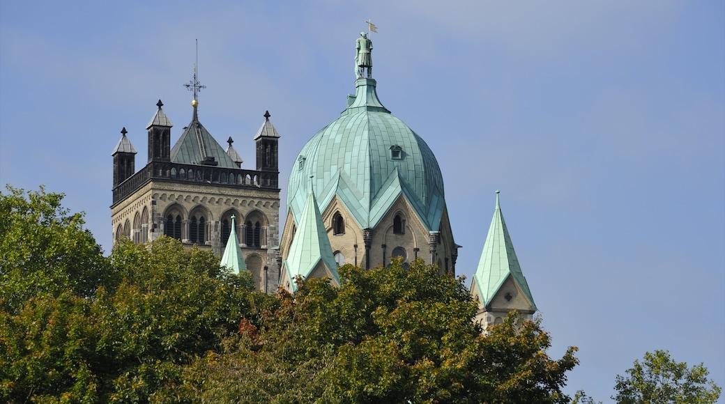 Neuss das einen historische Architektur und Kirche oder Kathedrale