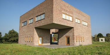 Neuss featuring modern architecture