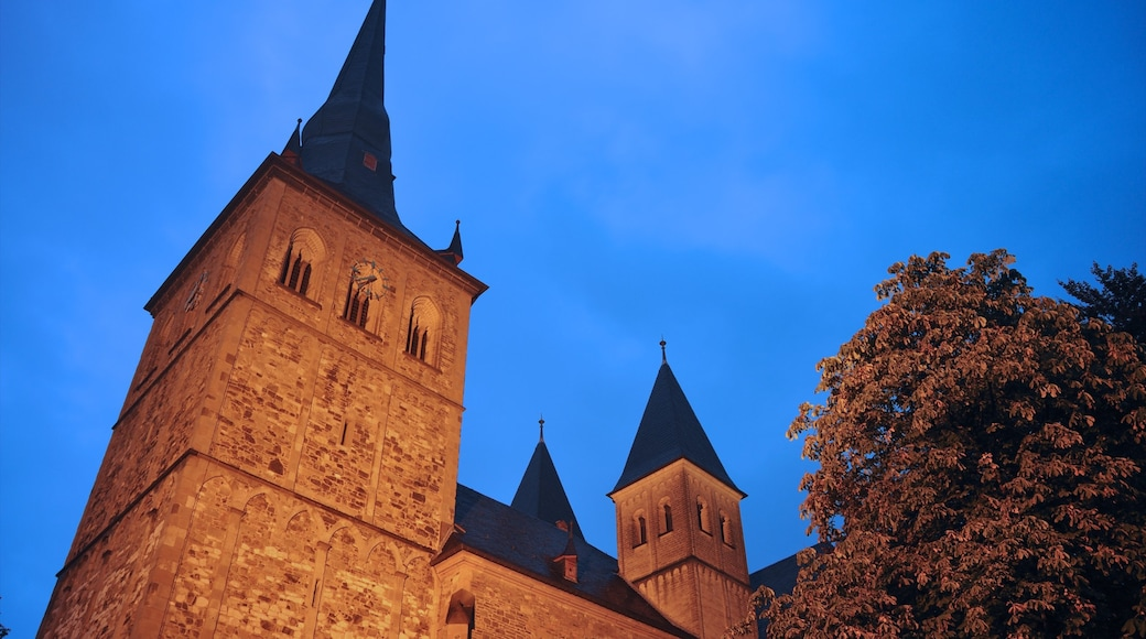Ratingen mit einem Palast oder Schloss und historische Architektur