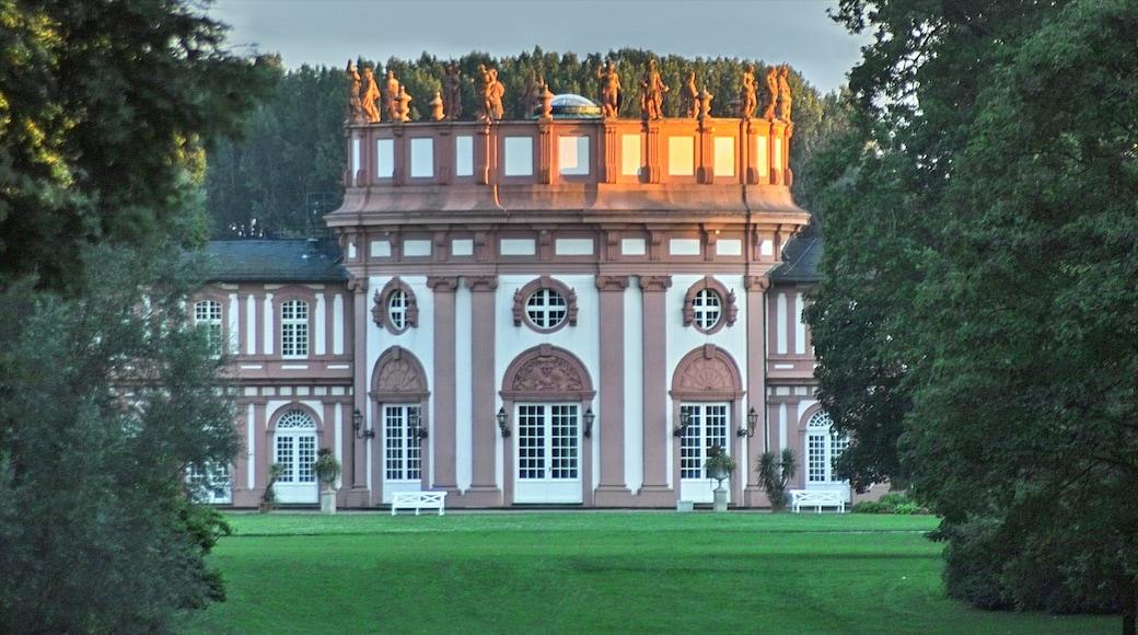 Wiesbaden mit einem Burg und historische Architektur