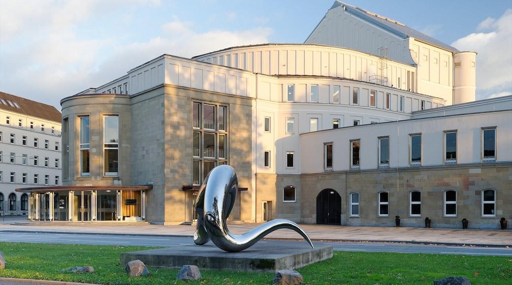 Wuppertal che include quartiere finanziario, città e architettura moderna