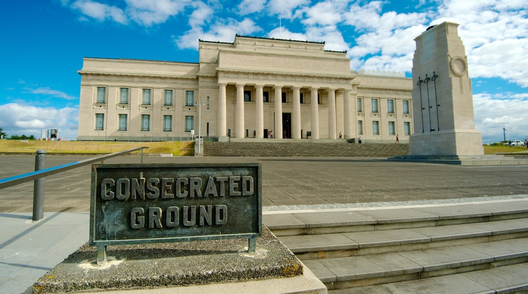 Auckland War Memorial Museum showing a city, signage and a memorial