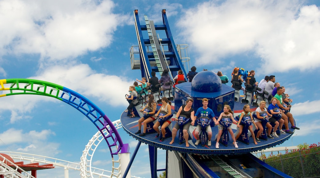 Rainbow\'s End which includes rides as well as a large group of people