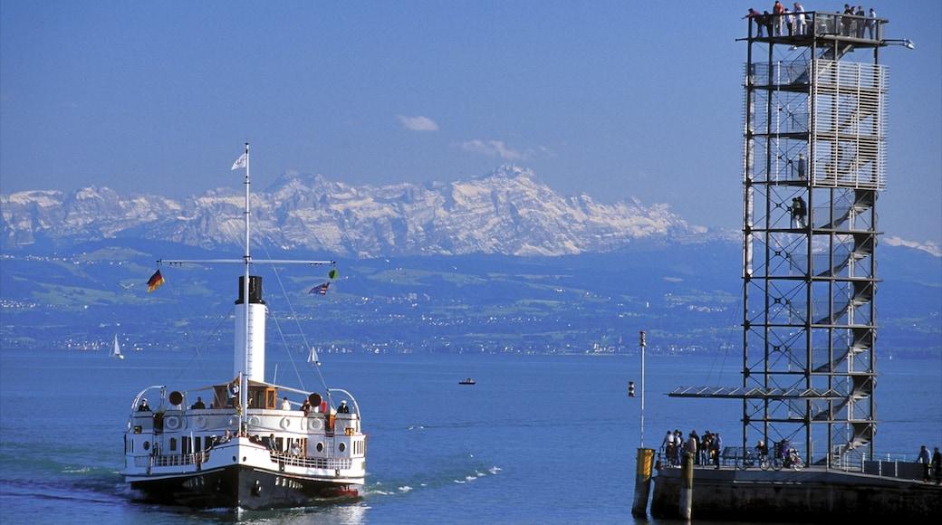 Friedrichshafen mit einem Observatorium, See oder Wasserstelle und Skyline