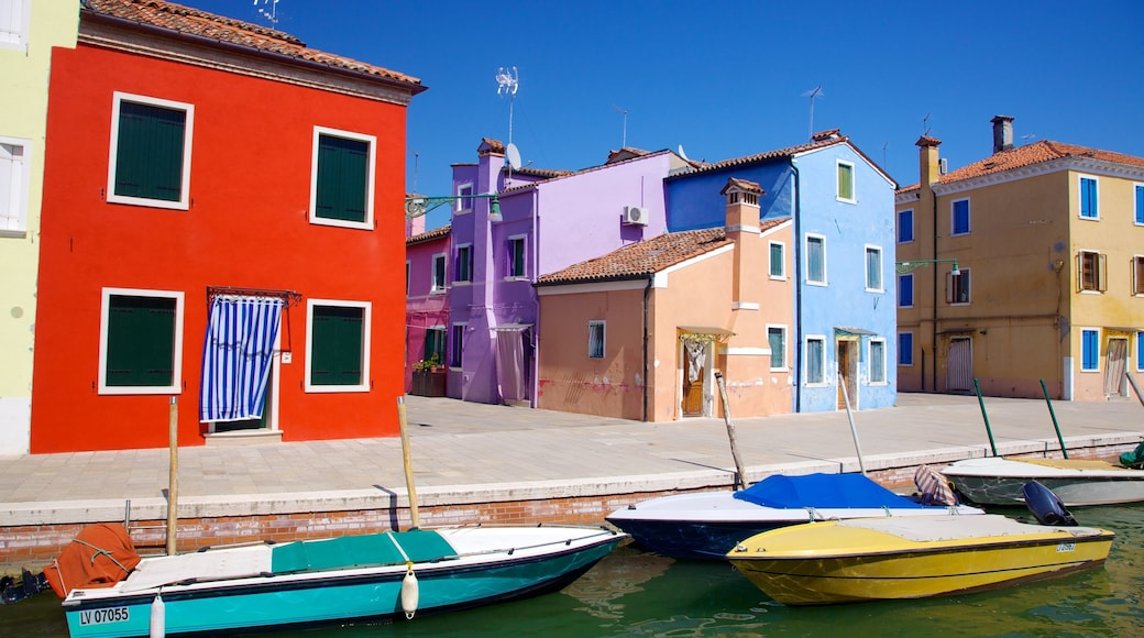 Burano showing a marina, a coastal town and boating