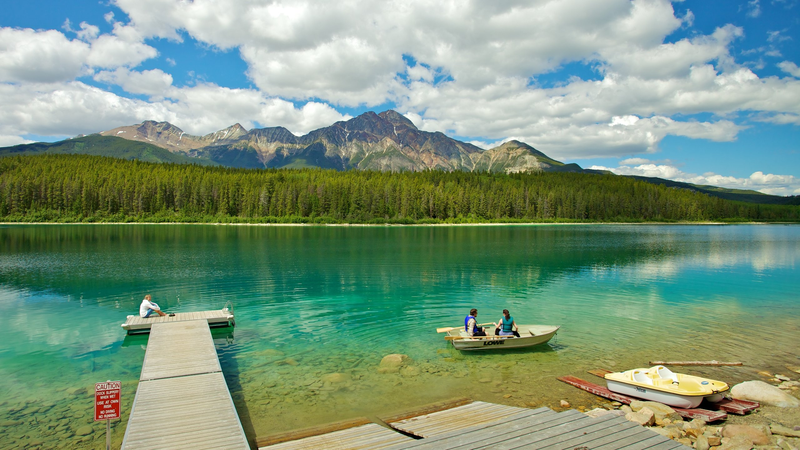 This peaceful area is well within walking distance of Jasper. It offers isolated accommodation for those who want to be in the heart of Alberta's natural beauty.