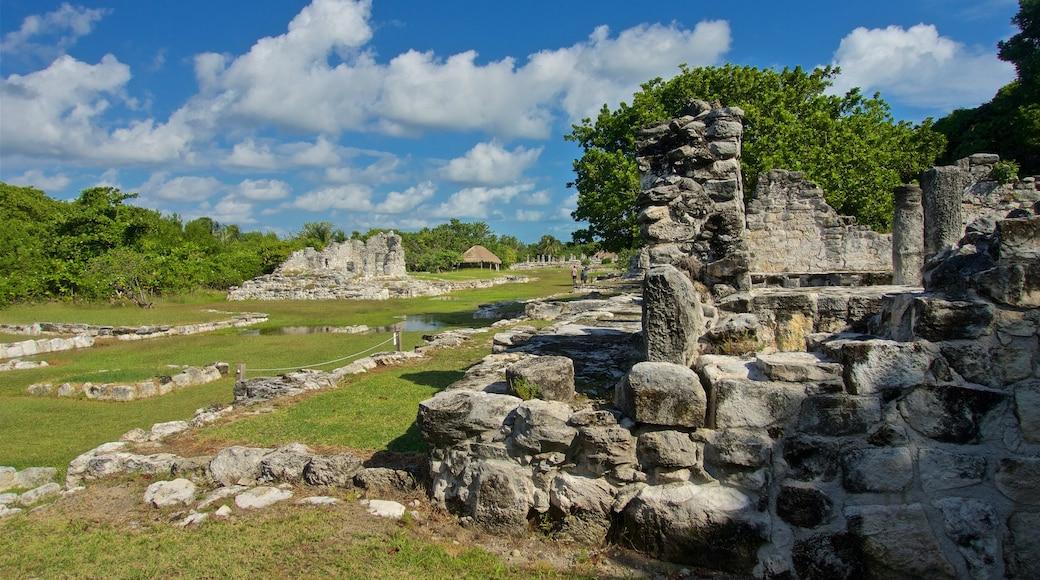 El Rey Ruins showing a ruin
