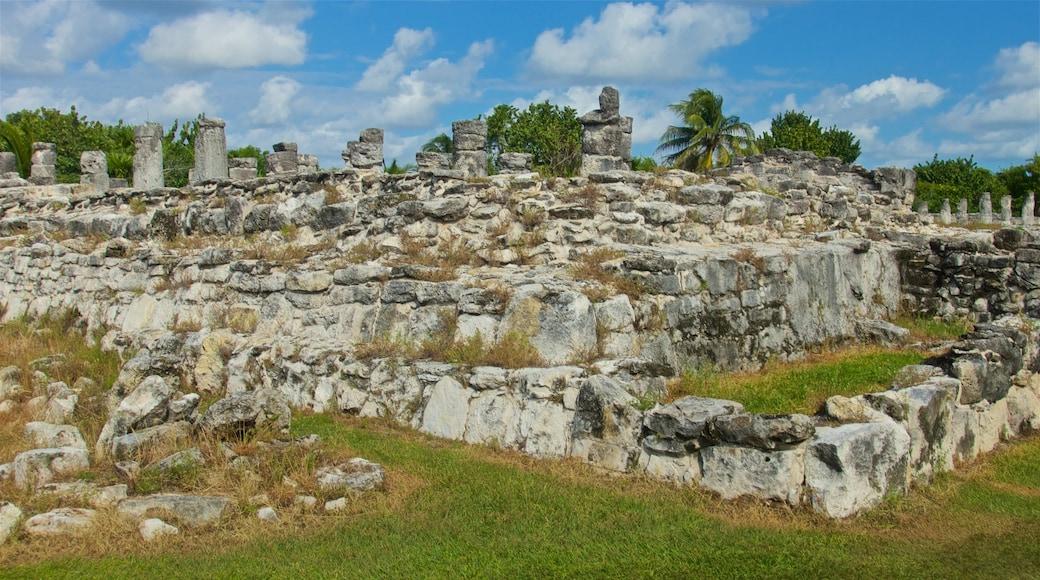 El Rey Ruins featuring a ruin