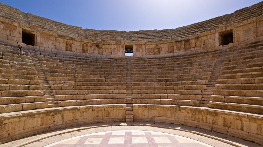 Jerash featuring theatre scenes and heritage architecture