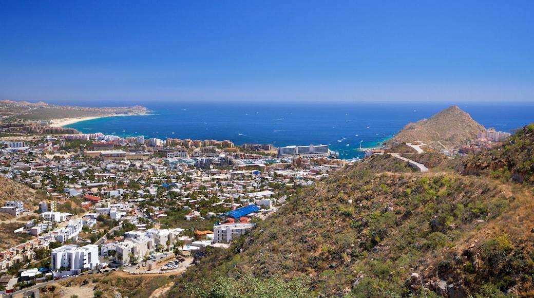 Cerro de la Z showing a coastal town, general coastal views and landscape views