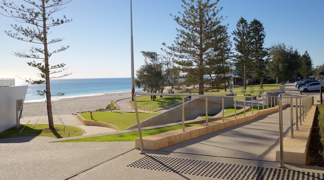 City Beach showing a park and general coastal views