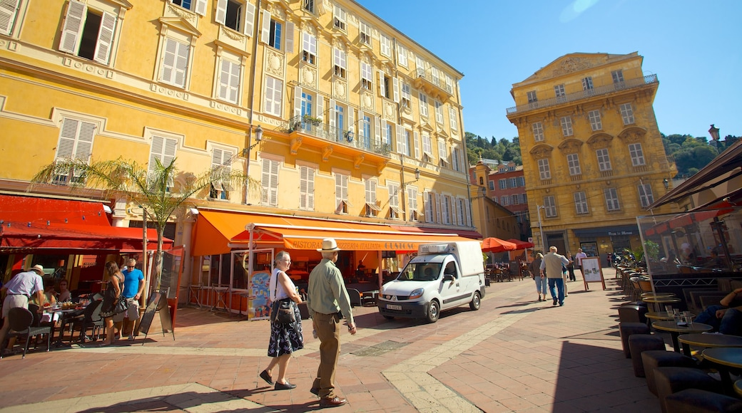 Old Town showing a small town or village, street scenes and heritage architecture