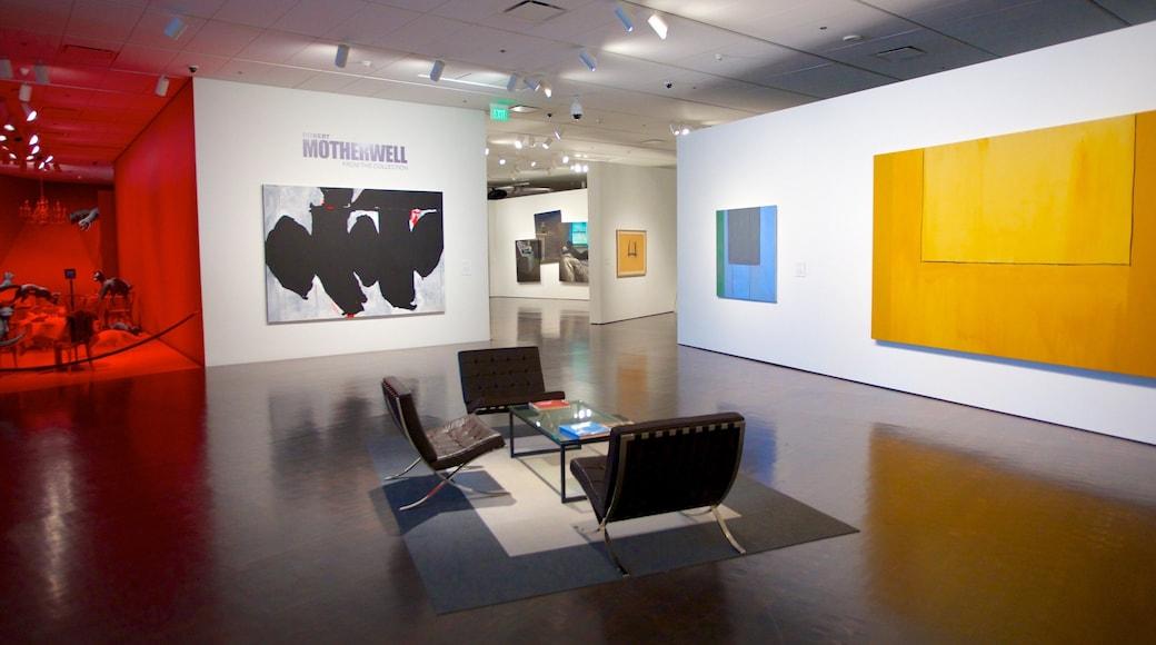 Museo de Arte de Denver mostrando vistas interiores y arte