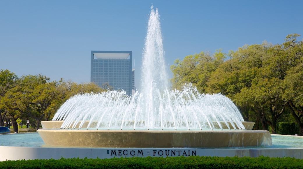 Hermann Park caracterizando um parque, uma cidade e uma fonte