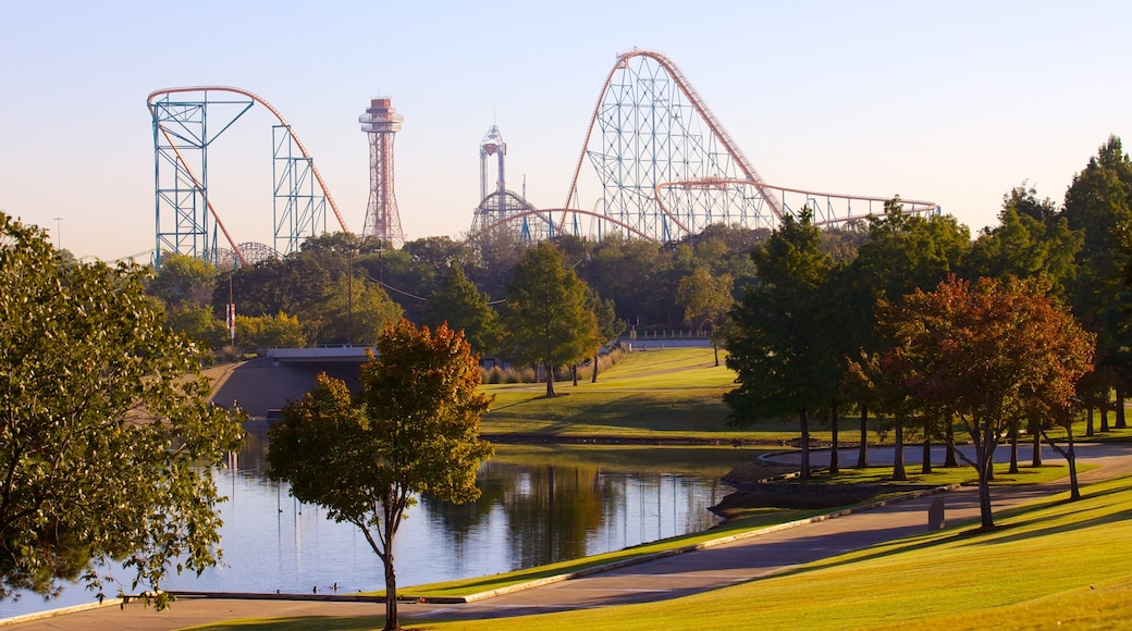 Six Flags Over Texas which includes a park and rides