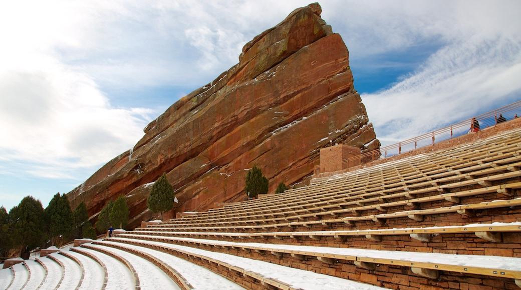 Red Rocks Amphitheatre welches beinhaltet Theater