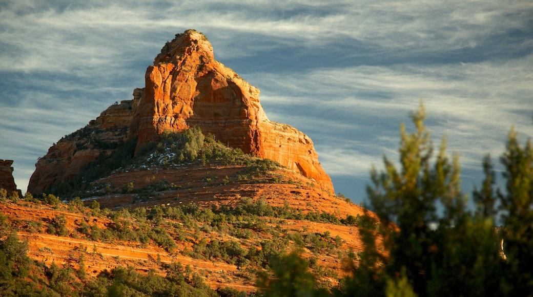 Sedona welches beinhaltet Landschaften und Berge