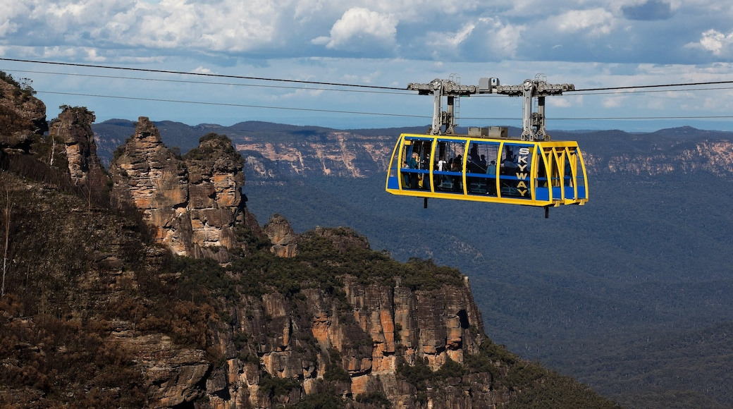Blue Mountains which includes mountains, a gondola and landscape views
