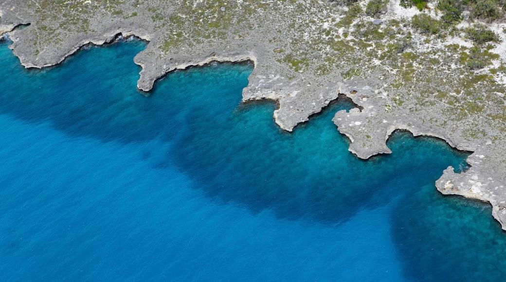 Playa Bayahibe das einen Landschaften und farbenfrohe Riffe