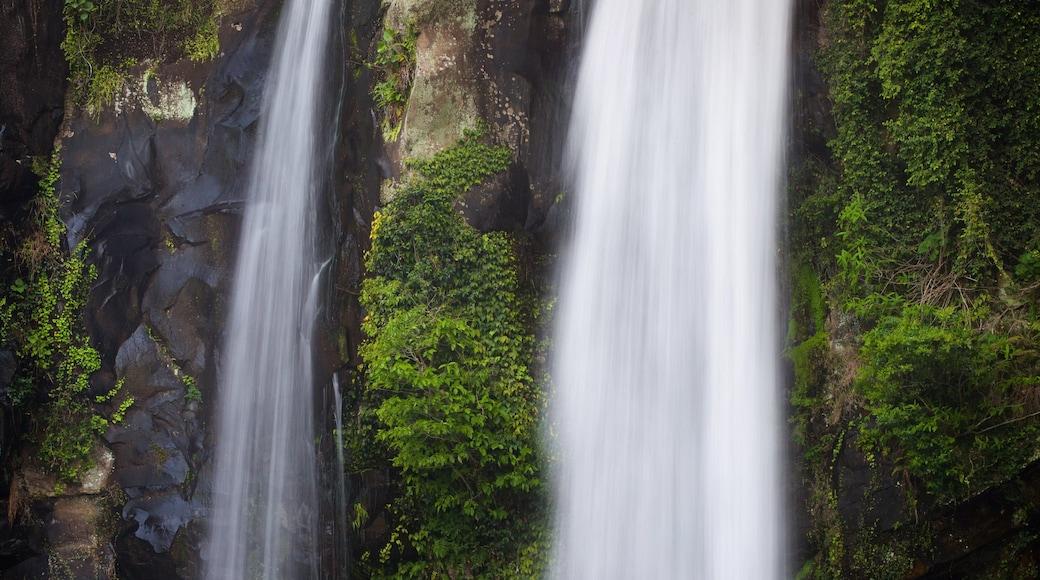 天地淵瀑布