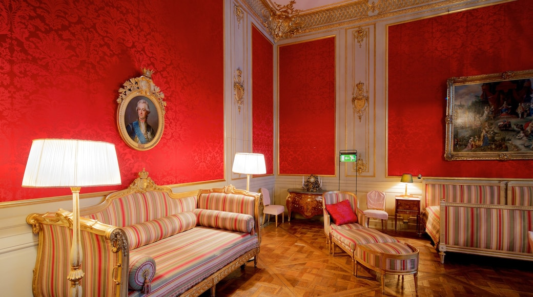 Stockholm Palace featuring interior views, art and heritage elements