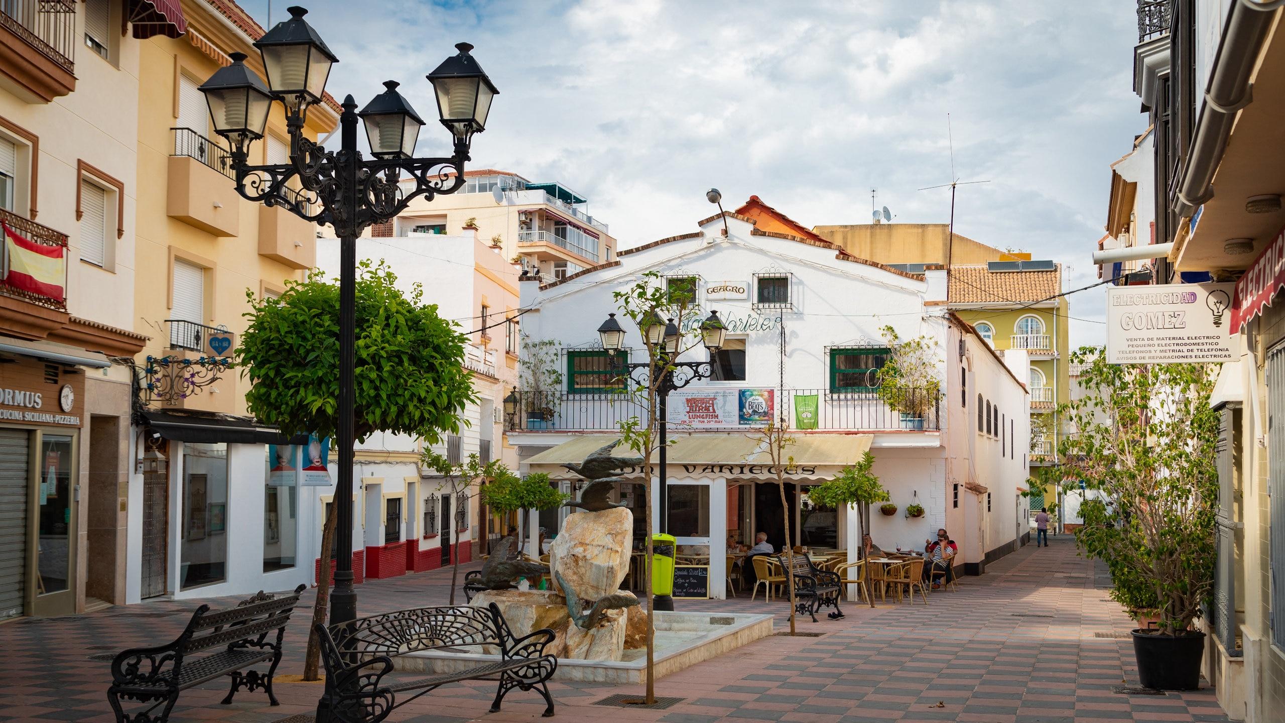 Geniet in dit historische theater, dat het enige Engelstalige theater in Zuid-Spanje is, een avond van de magische sfeer van een show.
