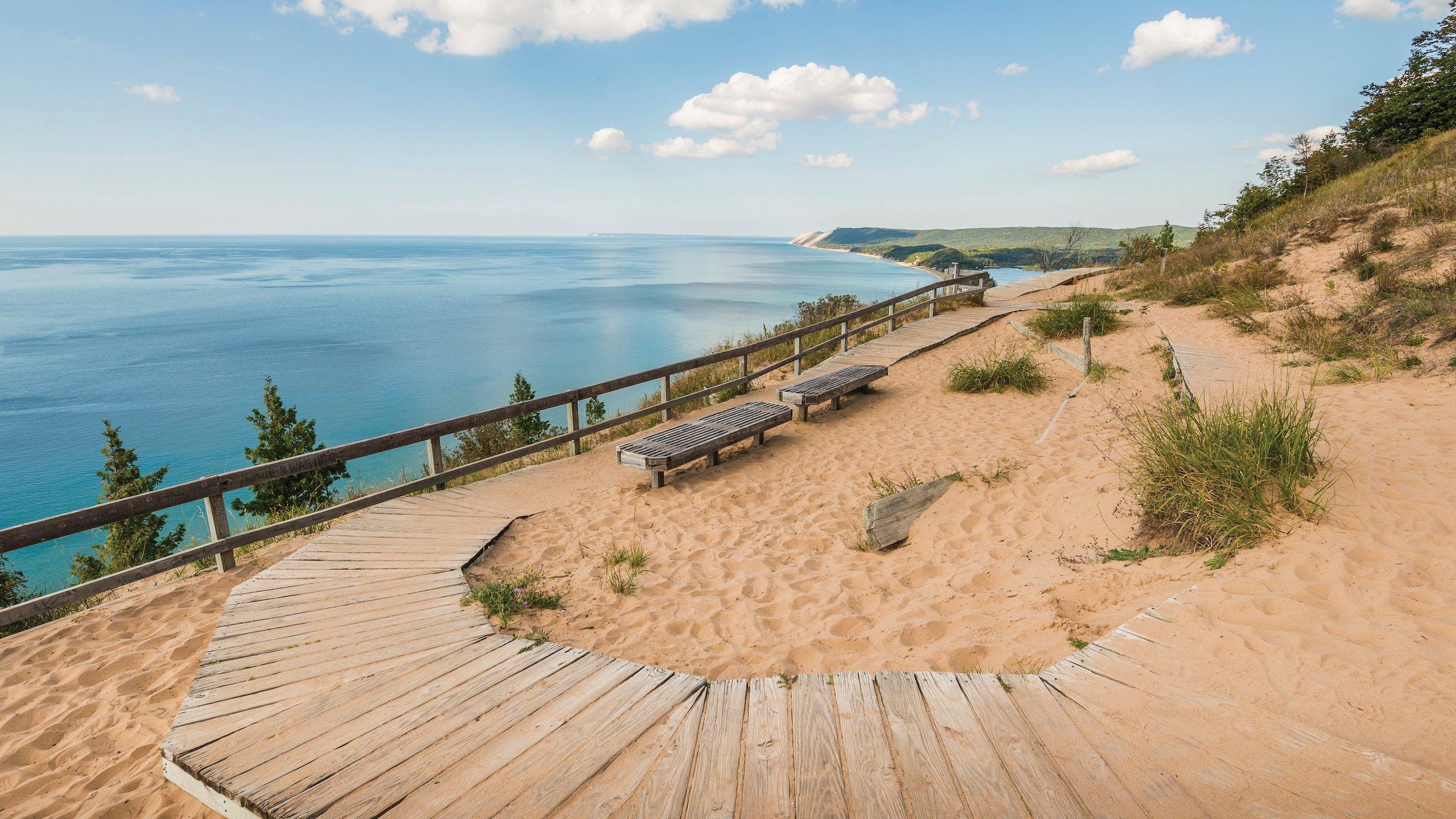10 Best Beach Hotels In Traverse City
