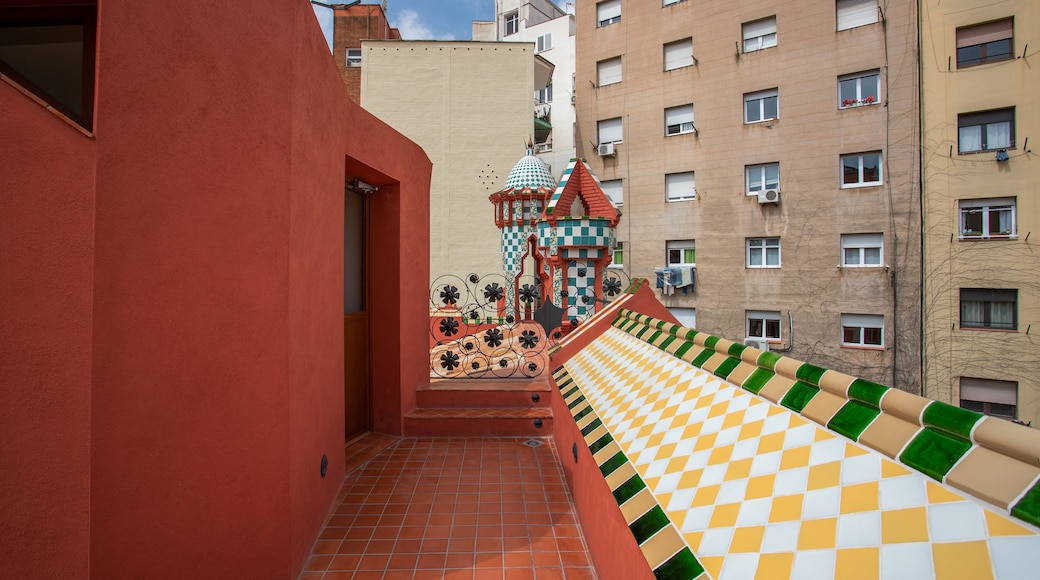 Casa Vicens which includes a city