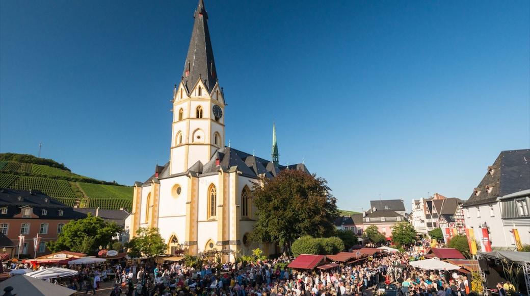 Bad Neuenahr-Ahrweiler bevat een kerk of kathedraal, een stad en straten