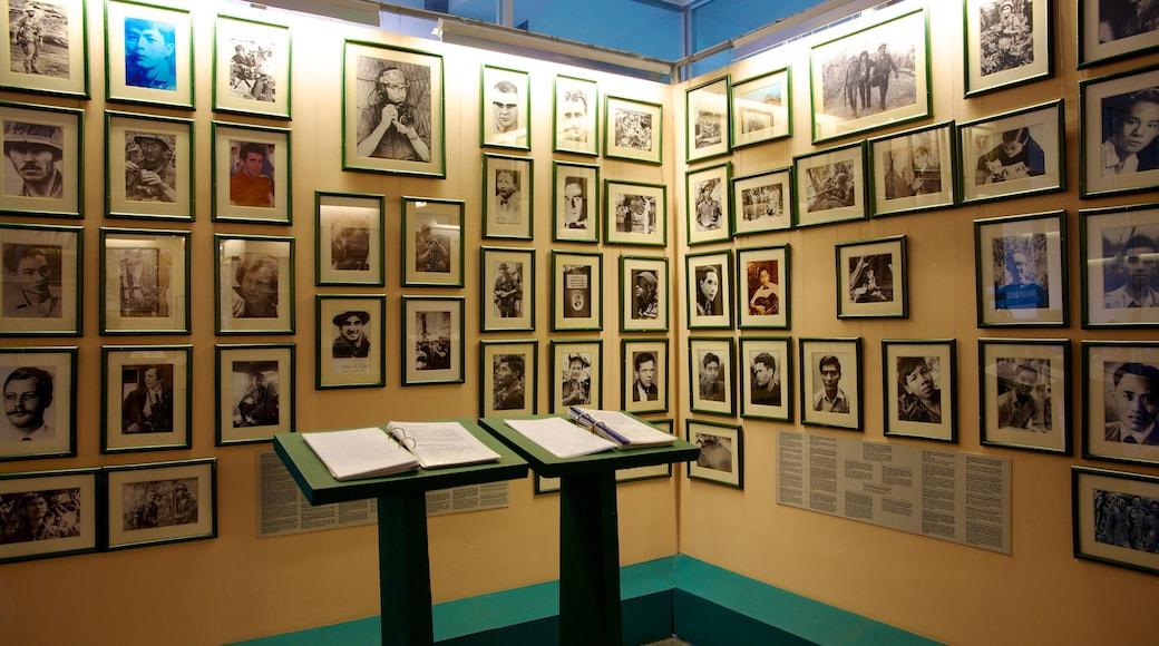 Het Oorlogsmuseum inclusief interieur