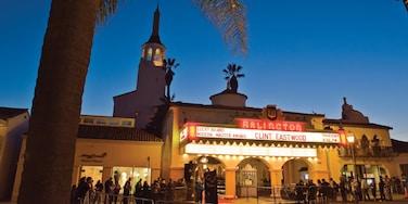 Santa Barbara showing theater scenes, night scenes and signage