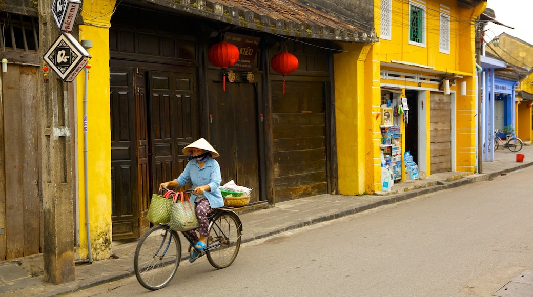 Hoi An Ancient Town which includes cycling, road cycling and street scenes