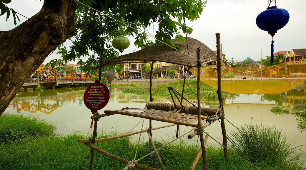 Hoi An Ancient Town which includes a park and a river or creek
