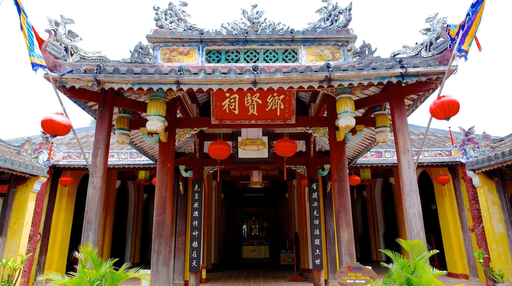 Cam Pho Temple showing a temple or place of worship and religious elements