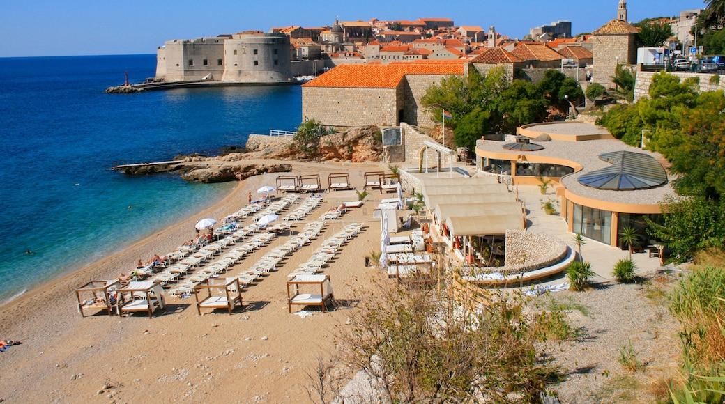 Spiaggia di Banje che include baia e porto e località costiera