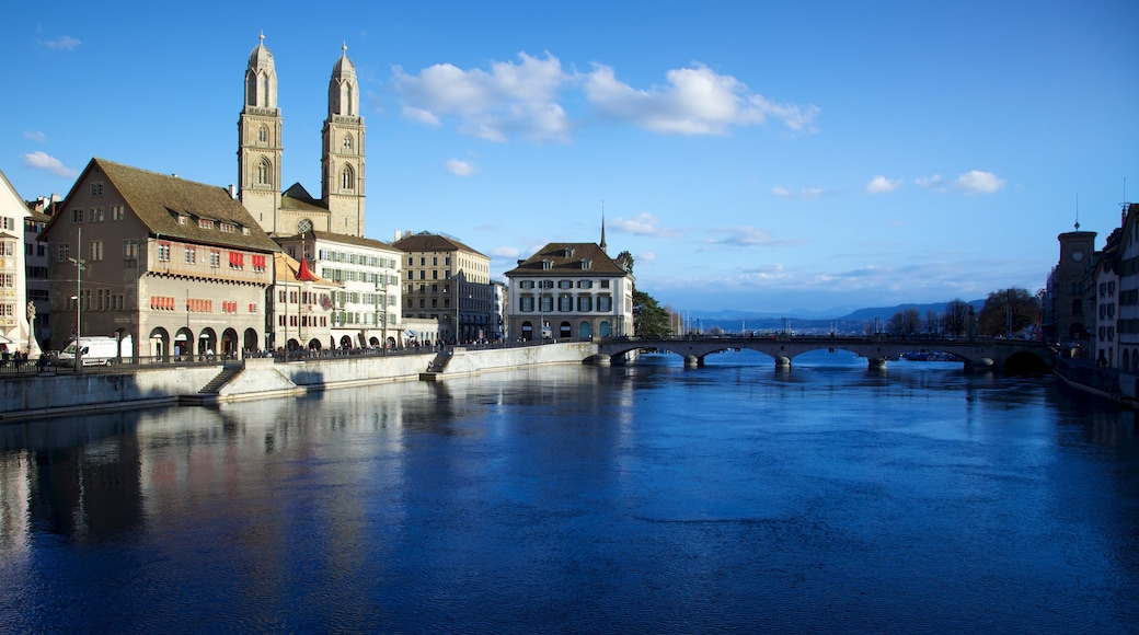 Grossmuenster which includes a bridge, heritage architecture and religious elements