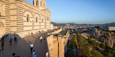 Notre-Dame de la Garde showing heritage elements, landscape views and views