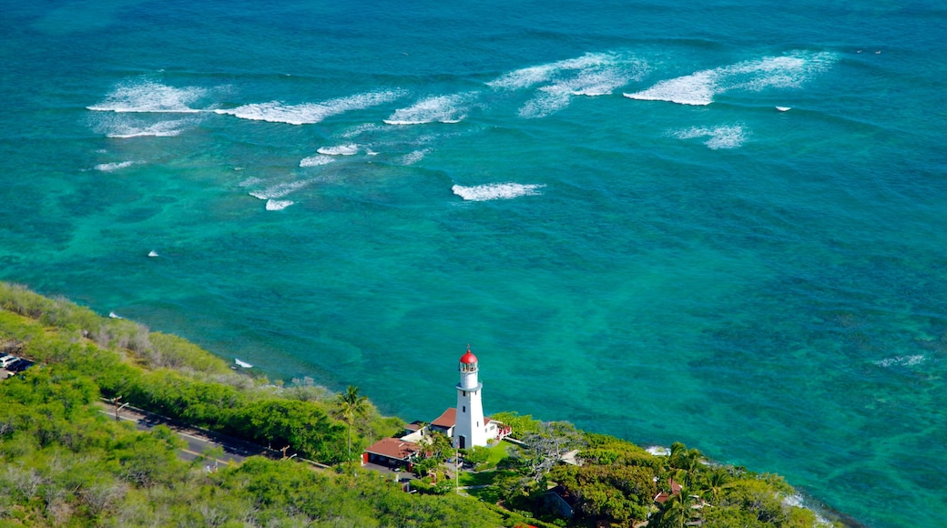 Diamond Head which includes tropical scenes, general coastal views and landscape views