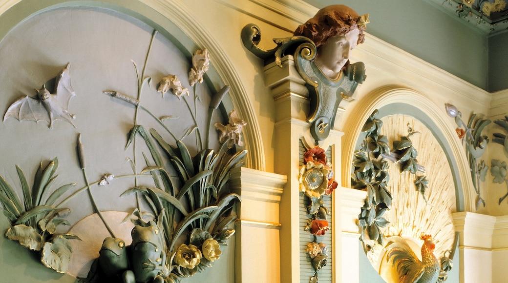 Riga featuring heritage architecture and interior views
