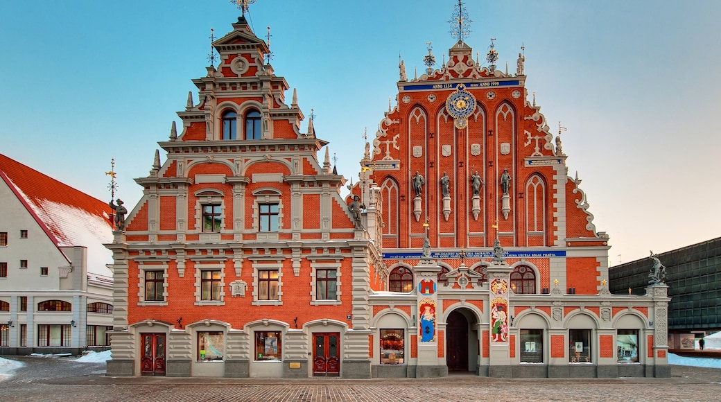 Riga which includes a church or cathedral, religious aspects and heritage architecture