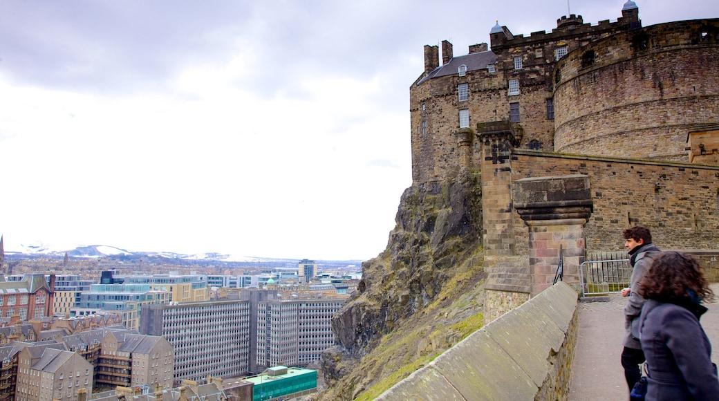 Castillo de Edimburgo mostrando palacio, una ciudad y arquitectura patrimonial