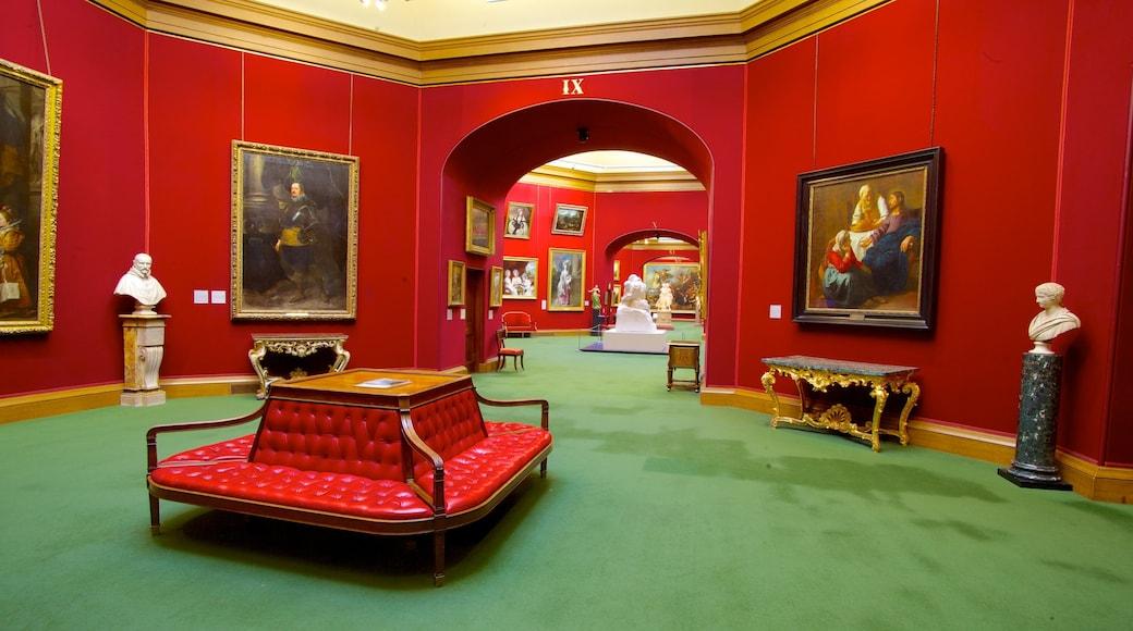 National Gallery of Scotland montrant vues intérieures et art