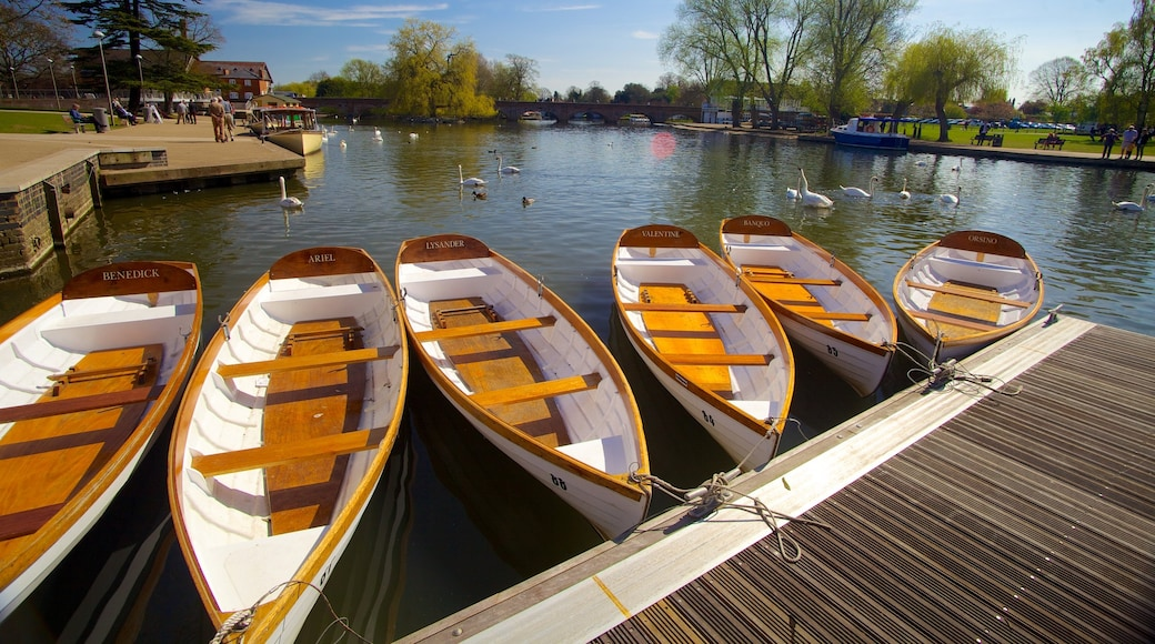 Stratford-upon-Avon which includes boating and a bay or harbour