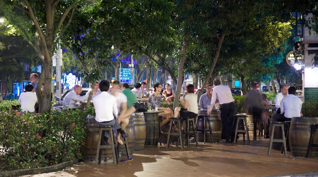 Boat Quay featuring dining out, outdoor eating and street scenes