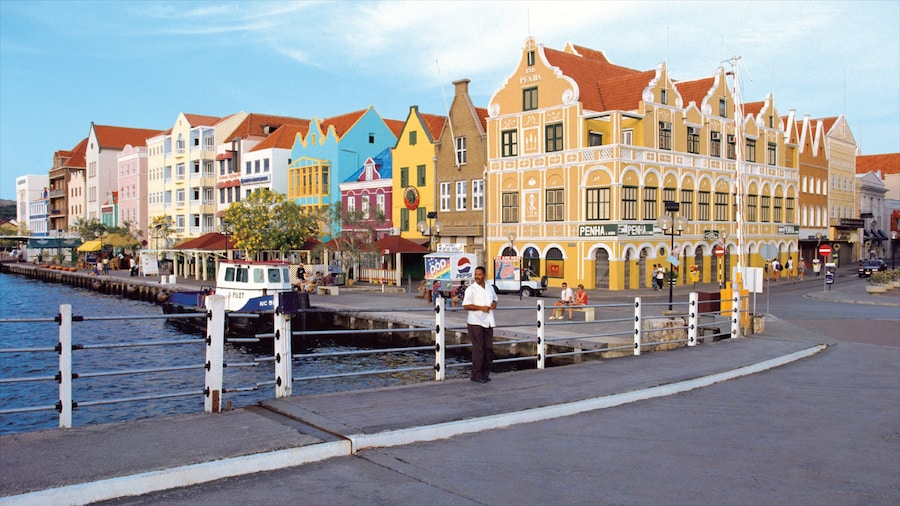 Willemstad which includes street scenes, a city and heritage architecture