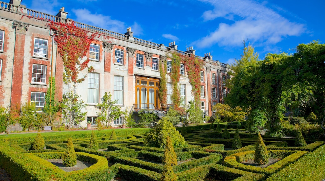 Bantry House and Garden featuring a park, a castle and heritage architecture