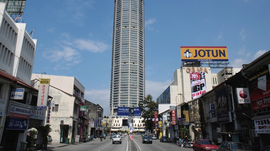 KOMTAR ซึ่งรวมถึง ย่านธุรกิจใจกลางเมือง, เมือง และ อาคารสูง