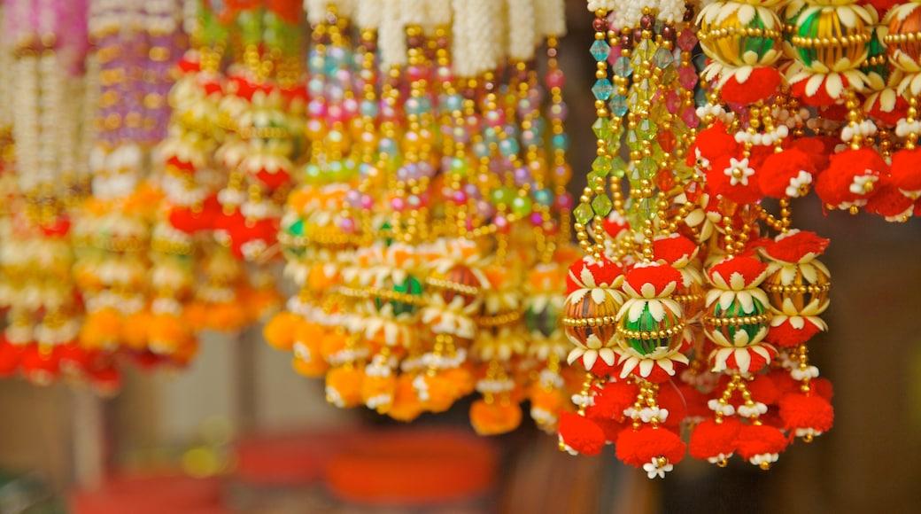 Little India cho thấy thời trang, chợ và thị trấn nhỏ
