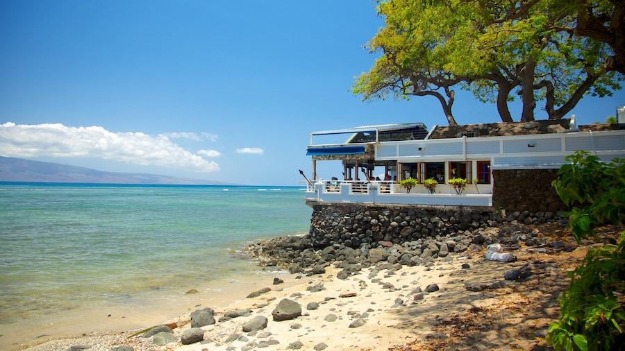 Lahaina showing a coastal town, a pebble beach and a beach
